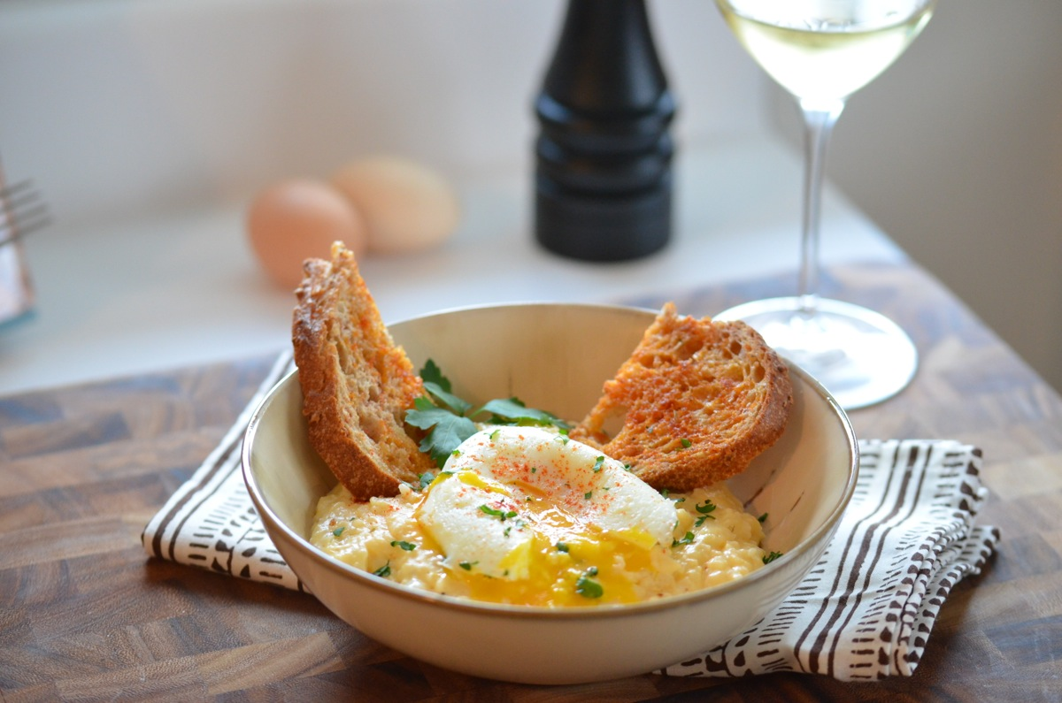 Cheesy Grits with Poached Egg